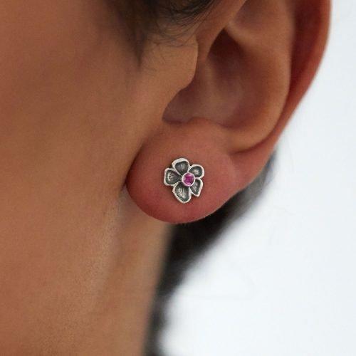 Dee-Ayles-Jewellery-London-Earring-Model-430