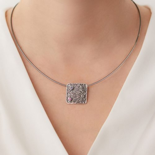 Dee-Ayles-Jewellery-London-Necklace-Model-208